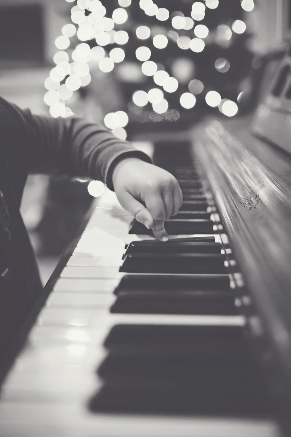 Music artistic instruments g free desktop backgrounds and wallpapers