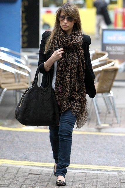 cc51b0c1bc51 Rachel Stevens - Everyone's wearing leopard print - dress, coat, scarf…