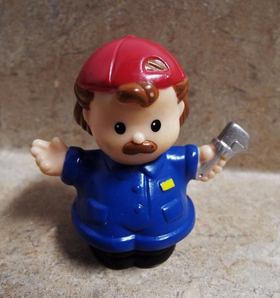 Fisher Price Little People AUTO MECHANIC MAN w// RED HAT /& Wrench for CAR SHOP