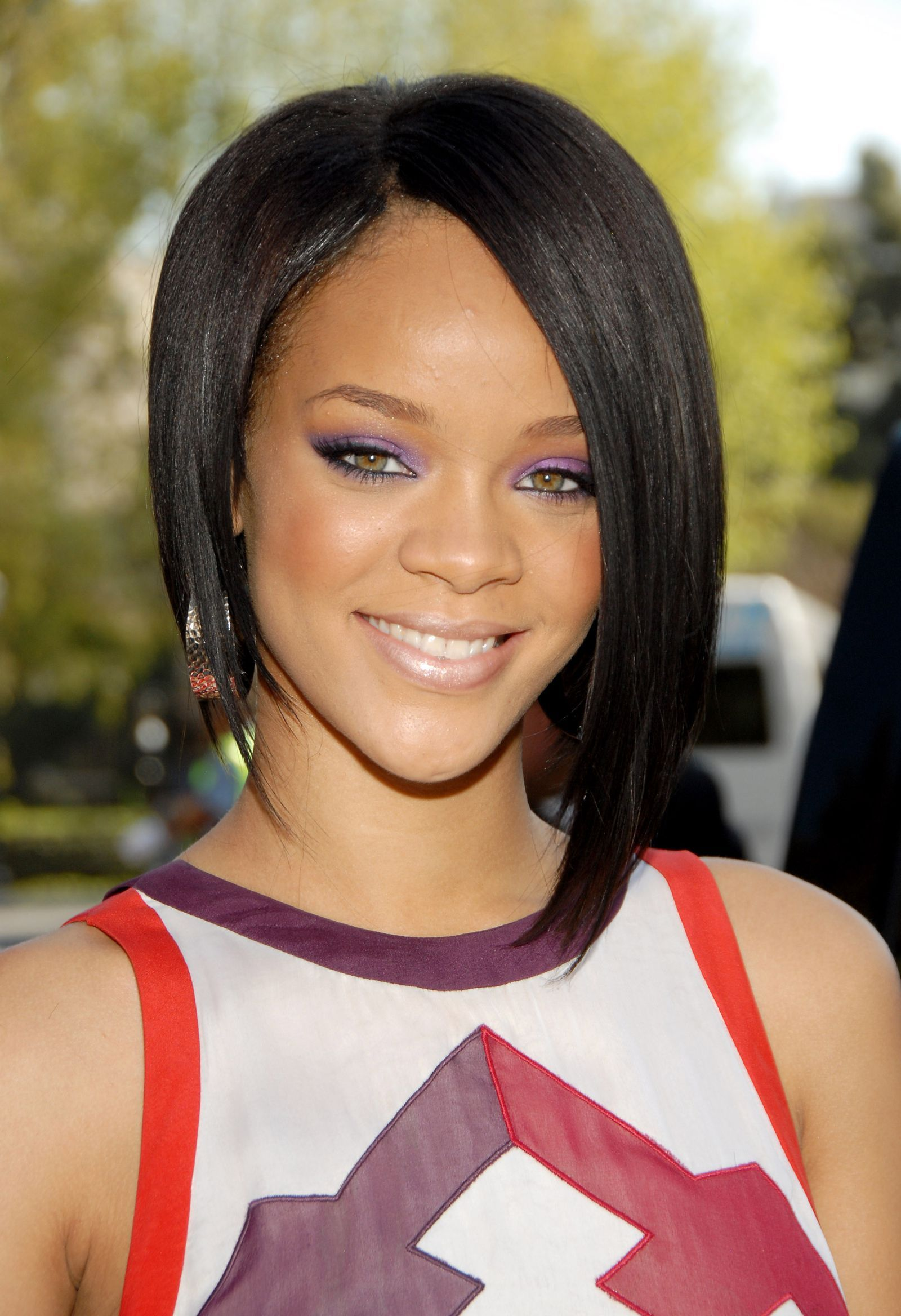 25 Best Rihanna Short Hair Styles - Fashion Icon to Follow ... |Dope Rihanna Haircuts