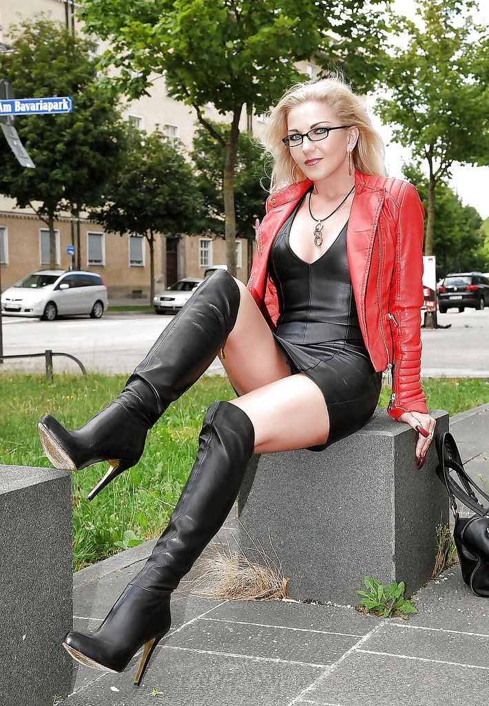 cb4cbe456 Heike The Fetsih Queen. Red Leather Jacket. Black Leather Short ...