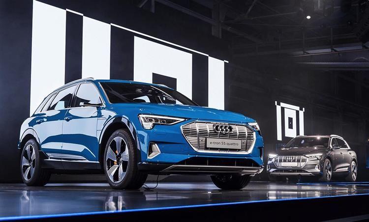 Audi e-tron : les photos et vidéo du nouveau SUV électrique | Voiture de sport audi, Suv, Audi