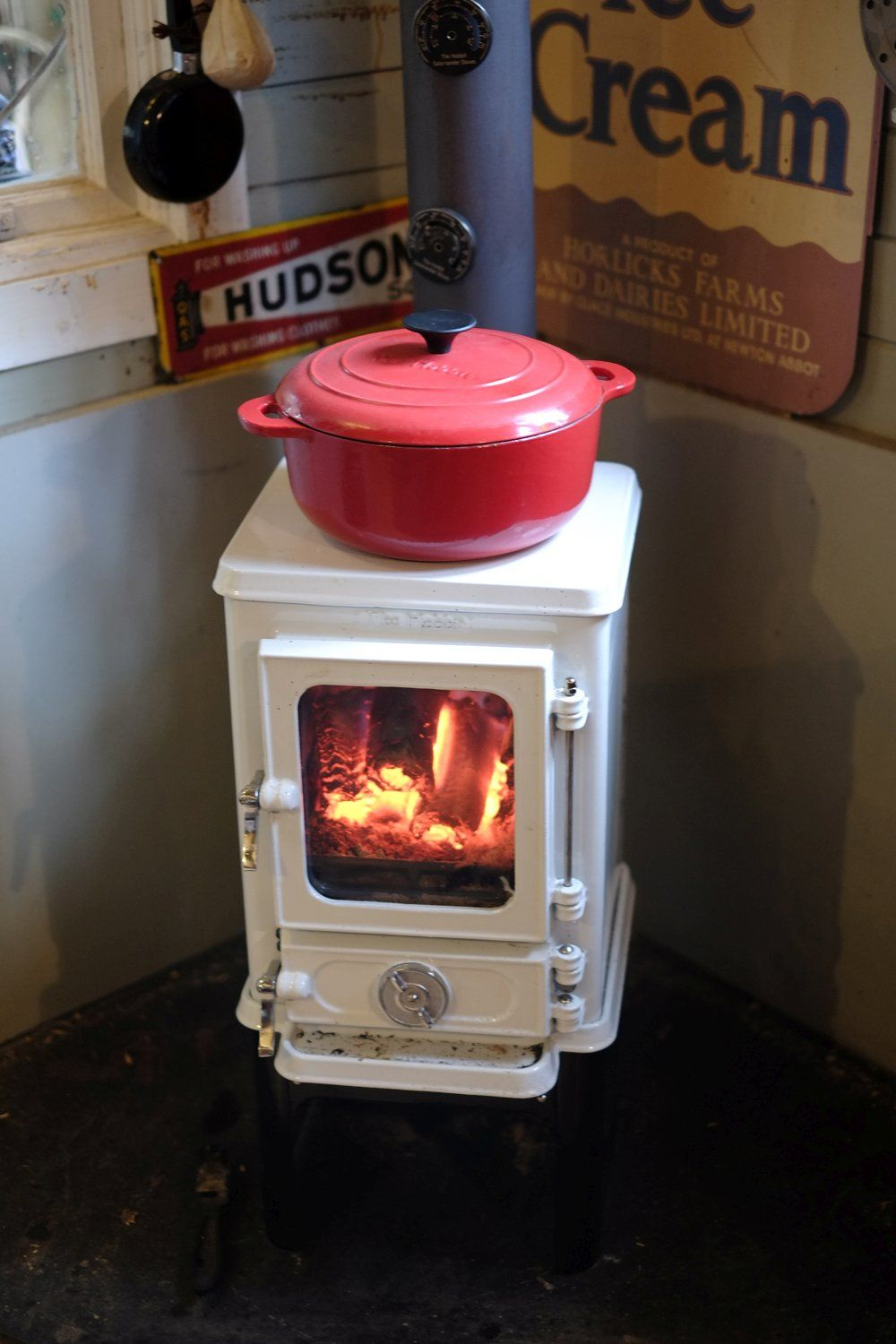 The hobbit stove is a small cast iron multi fuel stove for Small efficient wood stoves
