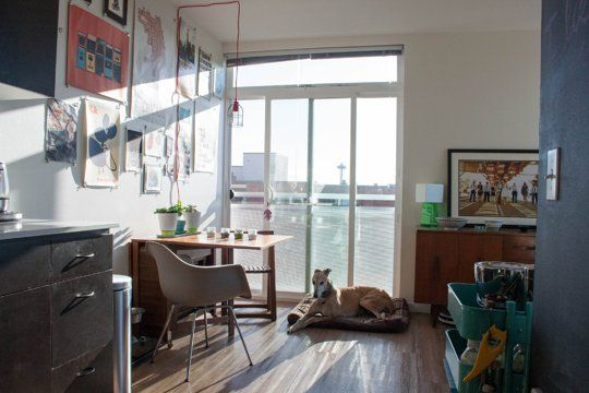 Kristen Emre S Downtown Seattle Studio Small Cool Contest Apartment Therapy