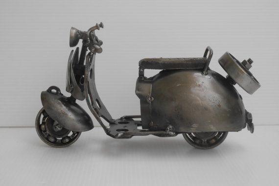 METAL SCULPTURE Vespa Type A Motorcycle Gift por Metalmodelhouse
