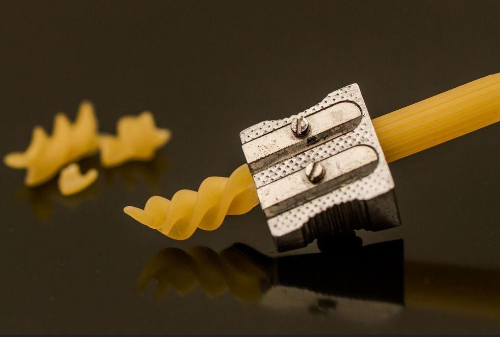 La herramienta estrella de un crítico culinario italiano | Fot.: Isabelle Puaut #penne #fusilli #pasta