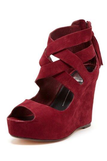 71cc0d30ea Dolce Vita Jade Wedge Sandal in wine red Mulher