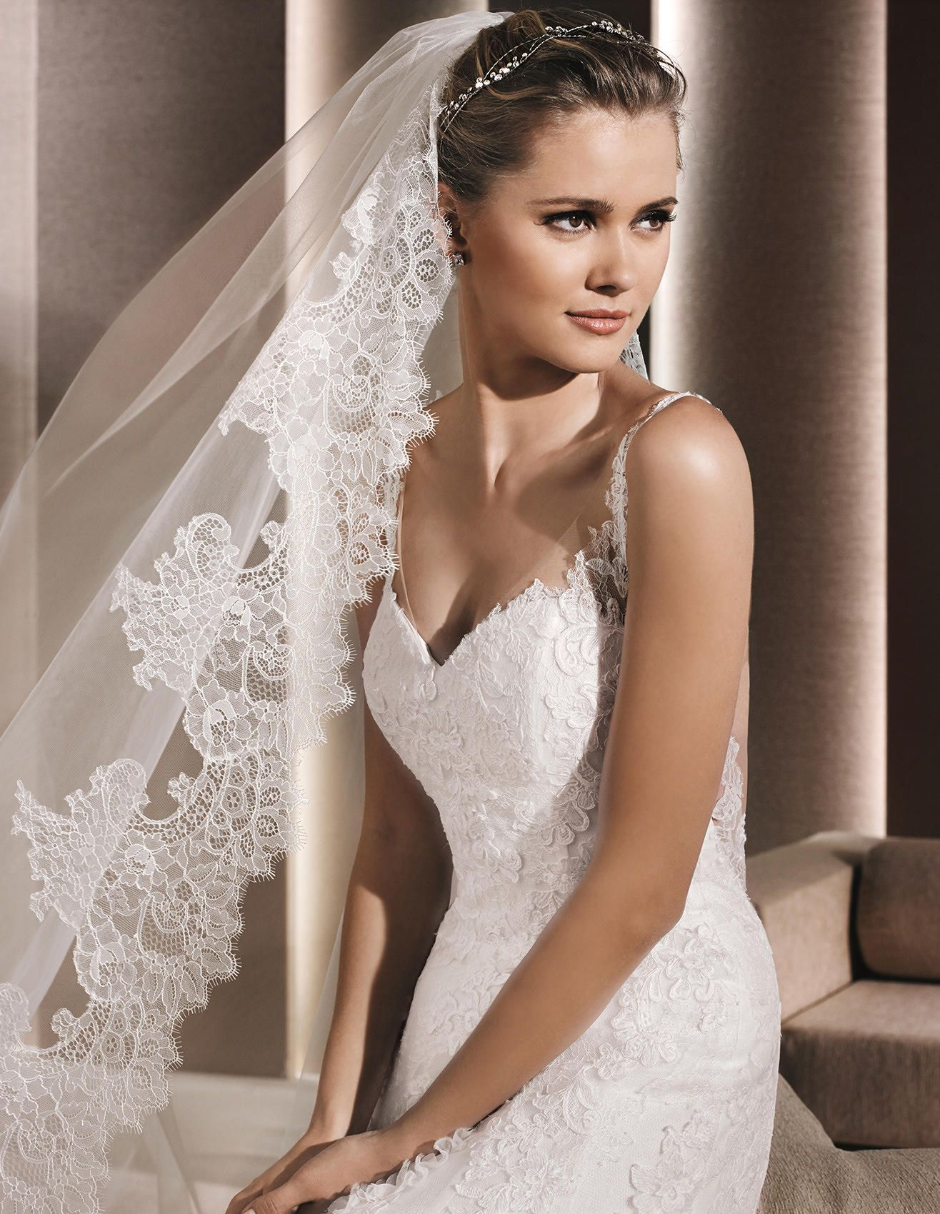 RANIT - Lace wedding dress, with sweetheart neckline | La Sposa