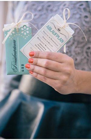 Kirchenheft und Taschentuch  wedding  Bruiloft und Fotos