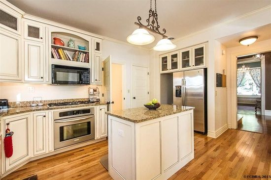 265 Alpine St, Dubuque, IA 52001 | Zillow | Home, Zillow ...