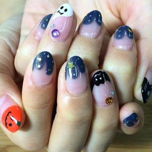 Uma francesinha maluca. | 27 ideias charmosamente horripilantes para fazer a unha no Halloween