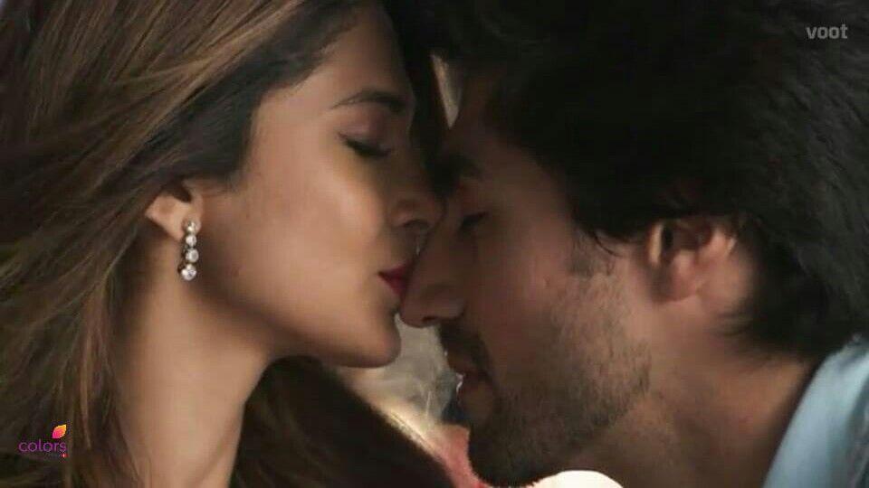 Jennifer winget harshad chopra in bepanah romantic kissing ...
