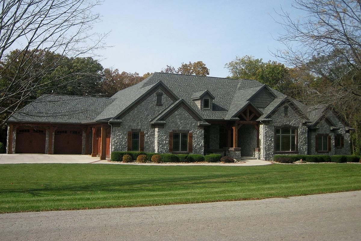 A 1 story Craftsman home Plan 1020 00219