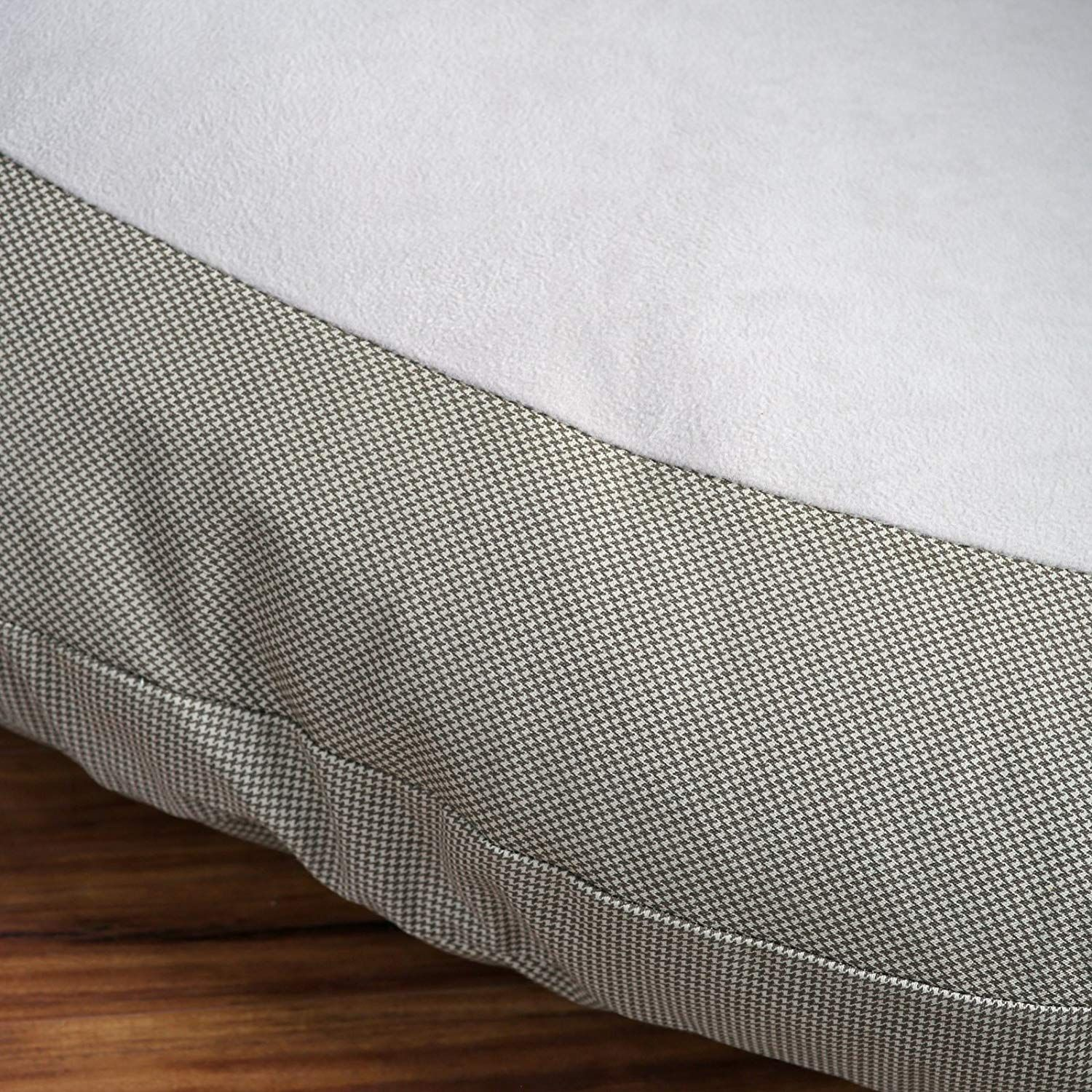 Hidden Valley Corner Bolster Dog Bed Extra Large * Want