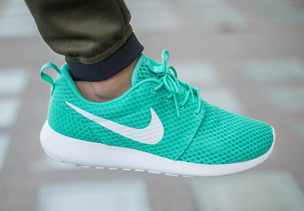 """half off 60c25 31384 If you re well-versed in Nike Roshe Run history and the highly exalted set  of original colorways, you re no doubt familiar with the """"Calypso"""" version."""