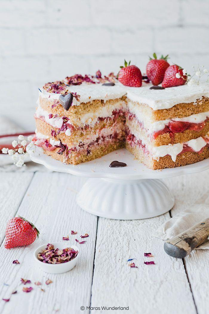 Gesündere Erdbeer-Rhabarber-Torte für die Mutti • Maras Wunderland