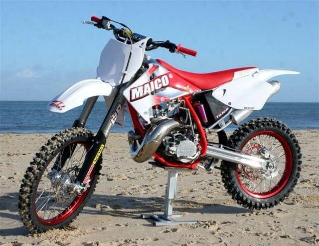 Yamaha reveal retro-inspired XSR700 | MCN