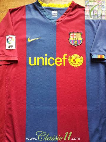 267ea77ad Relive Barcelona s 2006 2007 La Liga season with this vintage Nike home  football shirt.