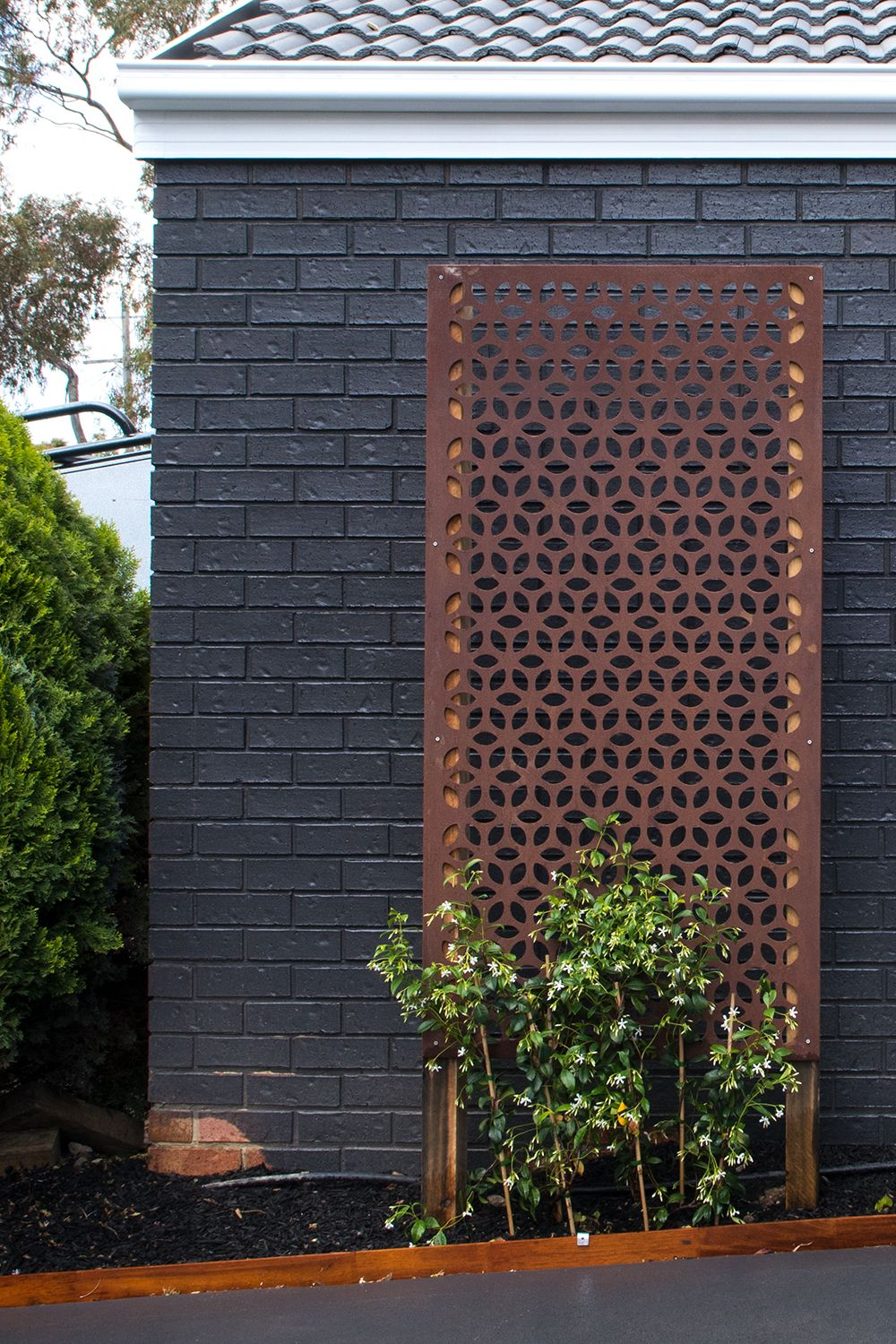Enhance your garden with outdoor screens 🌿 We added Tuscan ...