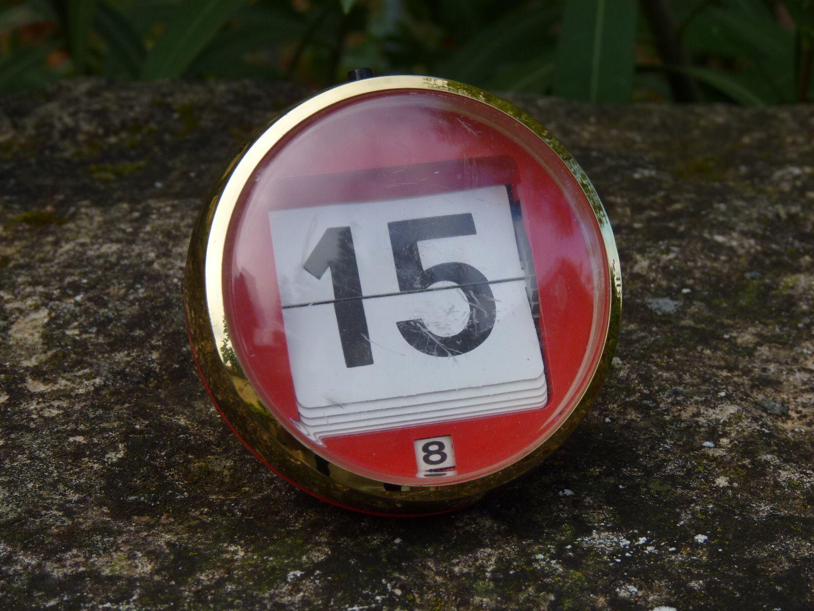 calendario-manual-rojo-vintage-mementosbcn-1