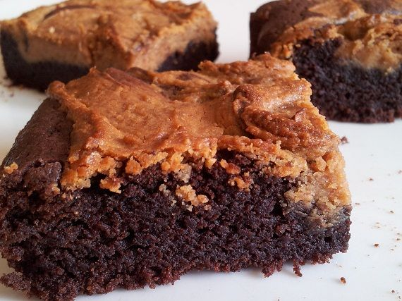 Cheesecake brownies with peanut butter