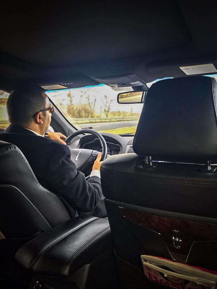 Boston airport limo service airport car service airport
