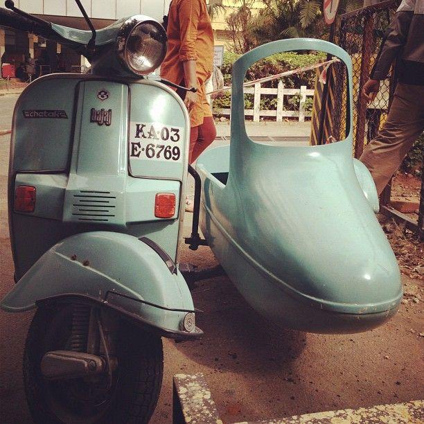 Bajaj Chetak With Side Car With Images Sidecar Vespa