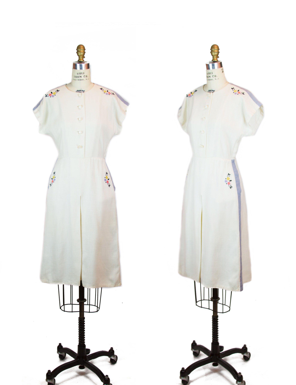 Vintage 1940s Color Block Swag Dress: Ivory Linen Embroidered Flowers Blue