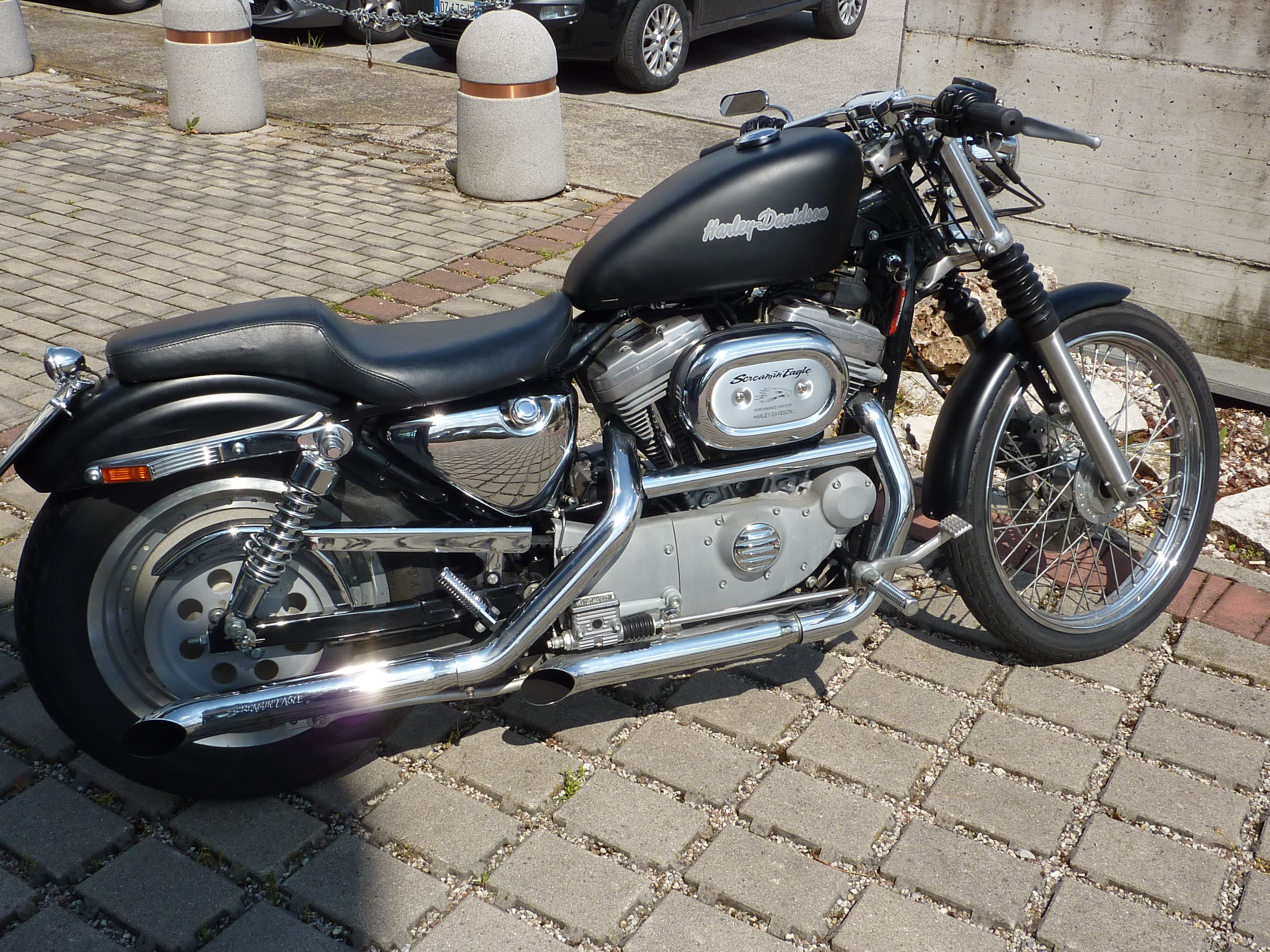 Harley davidson sportster 883 chrome and black contrast modified by chop s 76