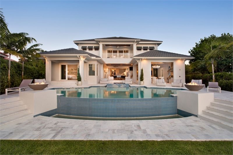 Luxury Modern 2 Story Home With Open Floor Plan Luxury House Plans Beach House Plans Mediterranean House Plans