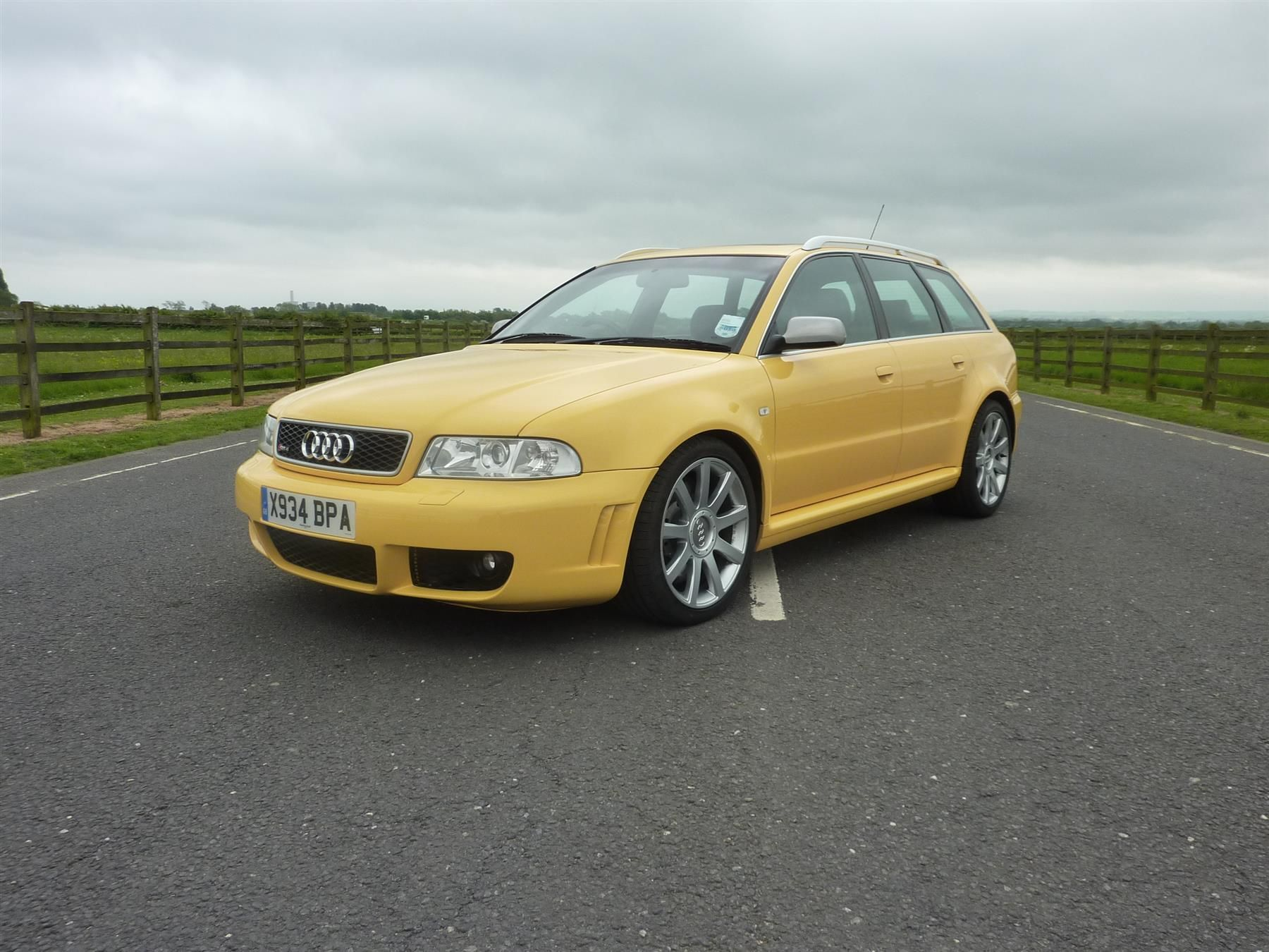 Used 2000 Audi RS4 RS4 QUATTRO AVANT for sale in Abingdon