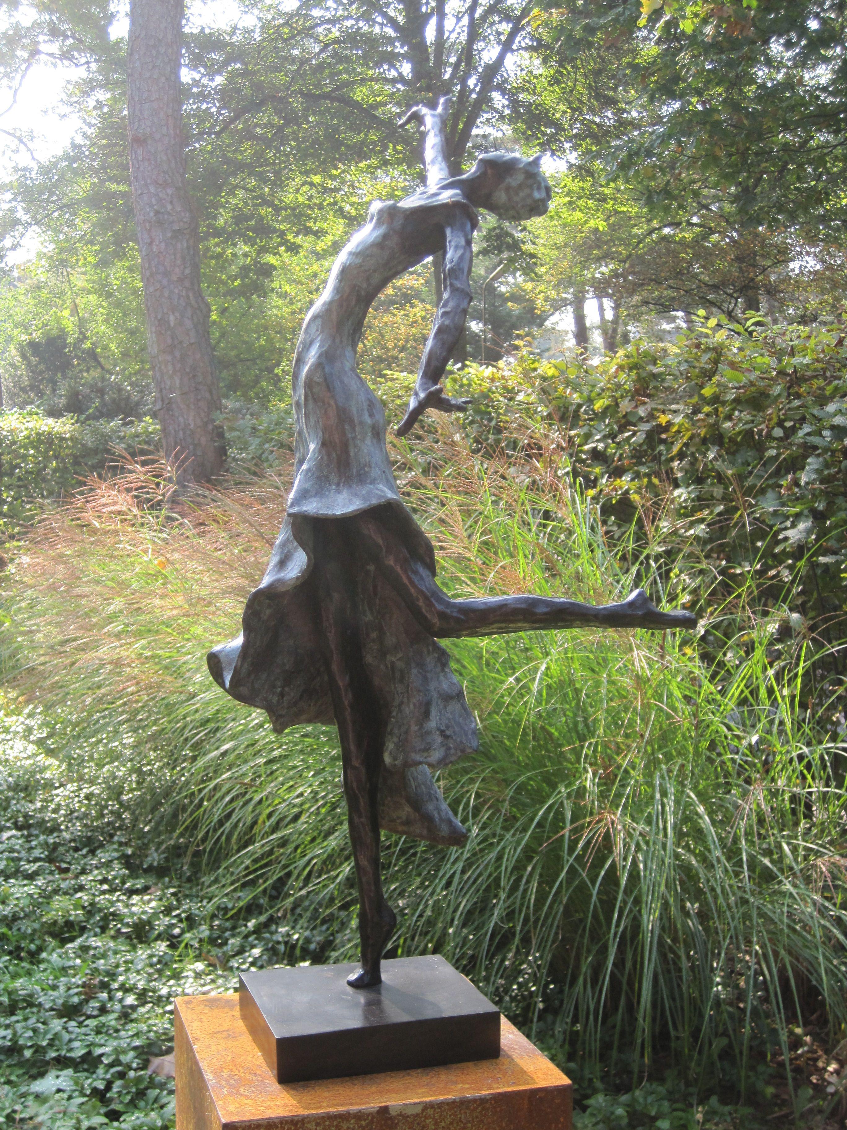 Bronzen beeld voor de tuin bronzen tuinbeeld beeld in de for Beeld tuin modern