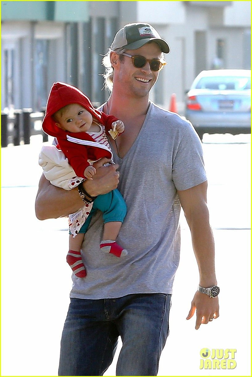 Chris Hemsworth and his adorable 10-month-old daughter India