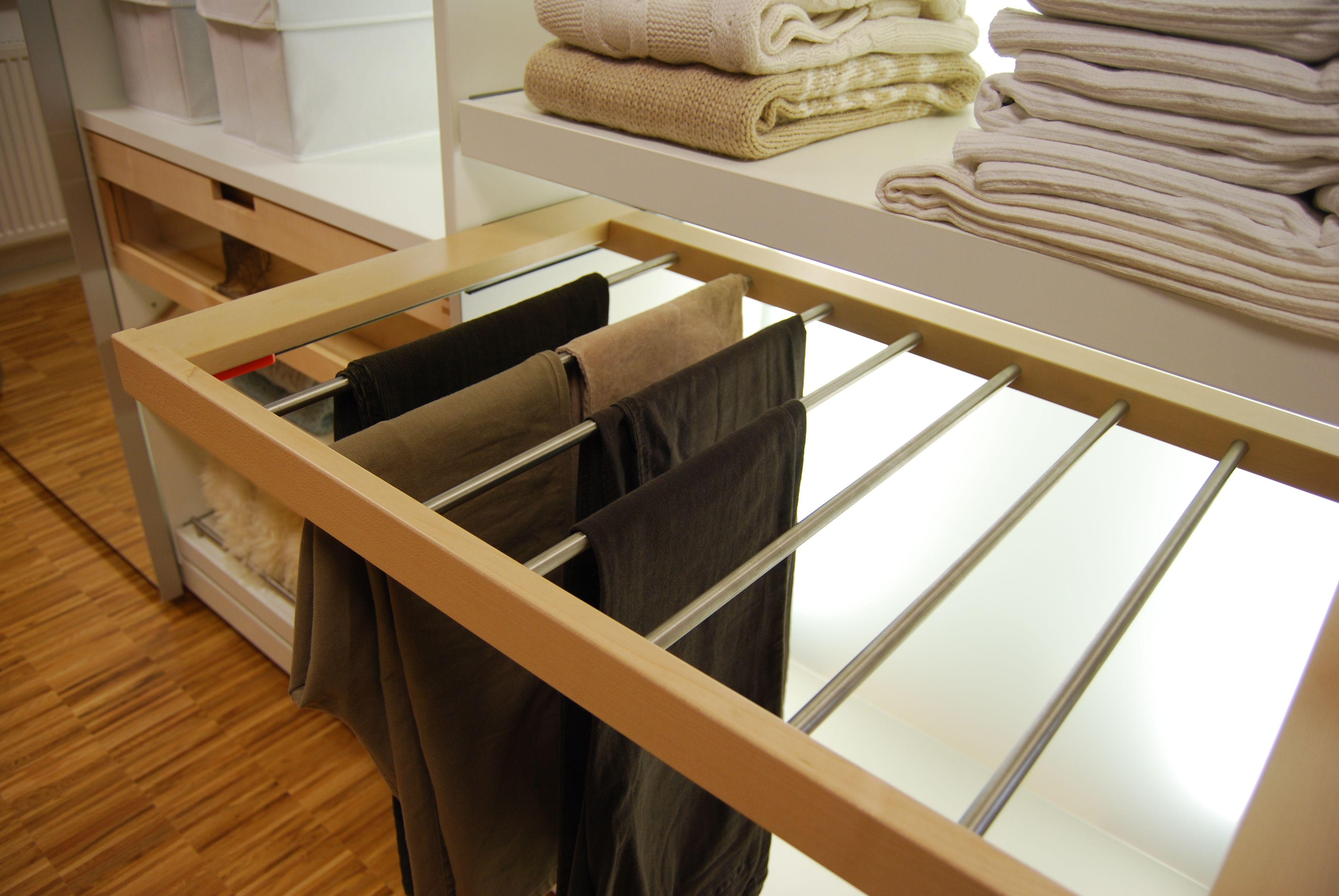 schrankdetail zur aufbewahrung von hosen aufbewahrungs systeme pinterest waschk che. Black Bedroom Furniture Sets. Home Design Ideas