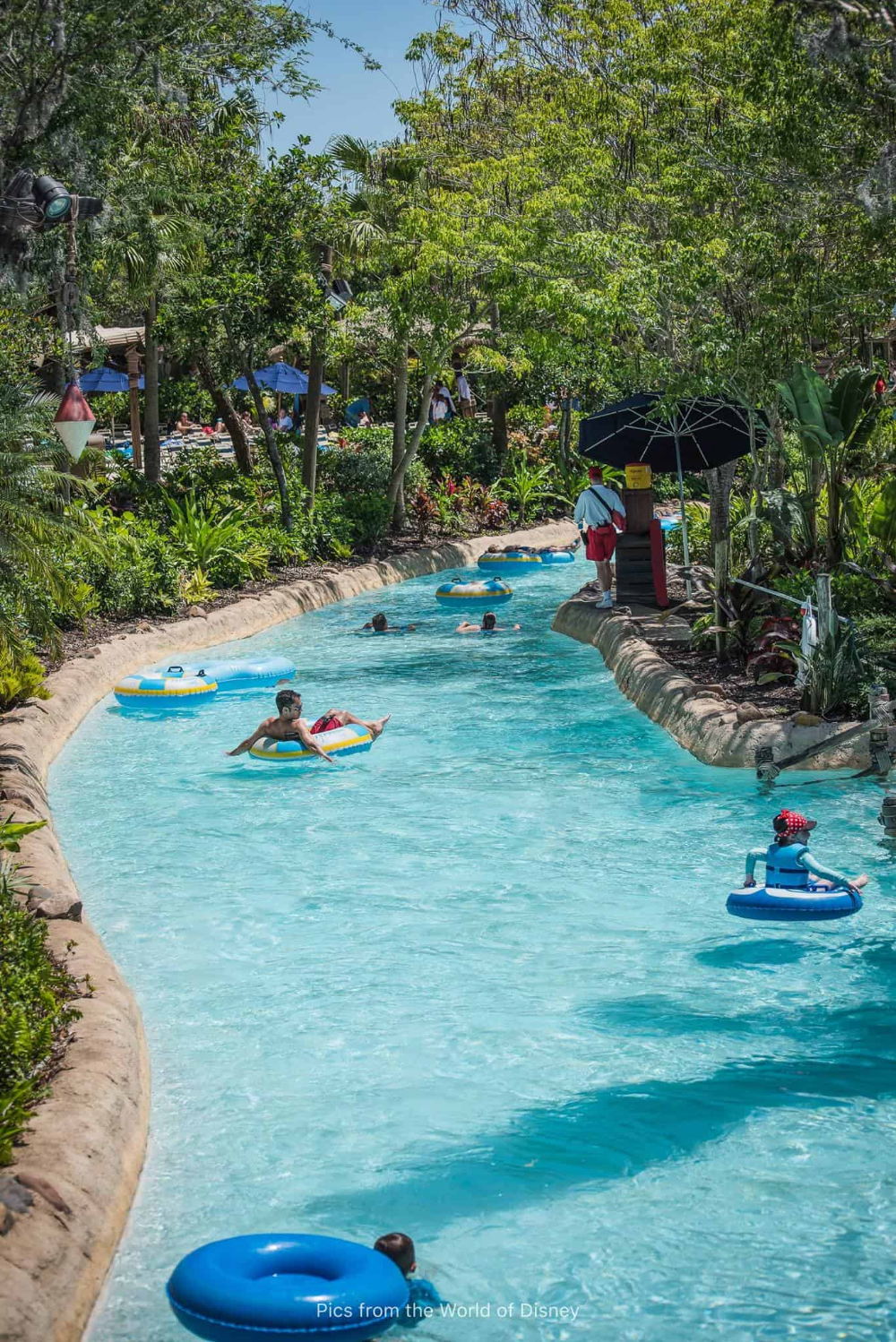 Tips To Stay Cool At Disney World Cooling Towels Misting Fans