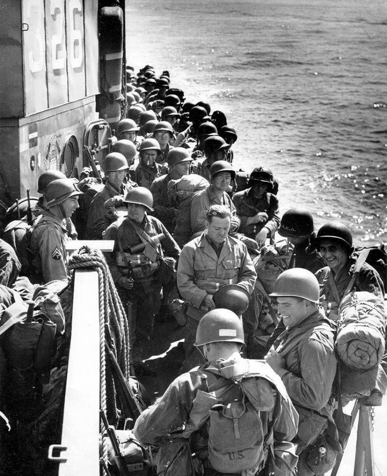 L Attente A Bord Du Lci L 326 Pour Ces Hommes De La 90th Us Infantry Division En Route Pour Utah Beach La 90 Debarquement En Normandie Guerre Guerre Mondiale