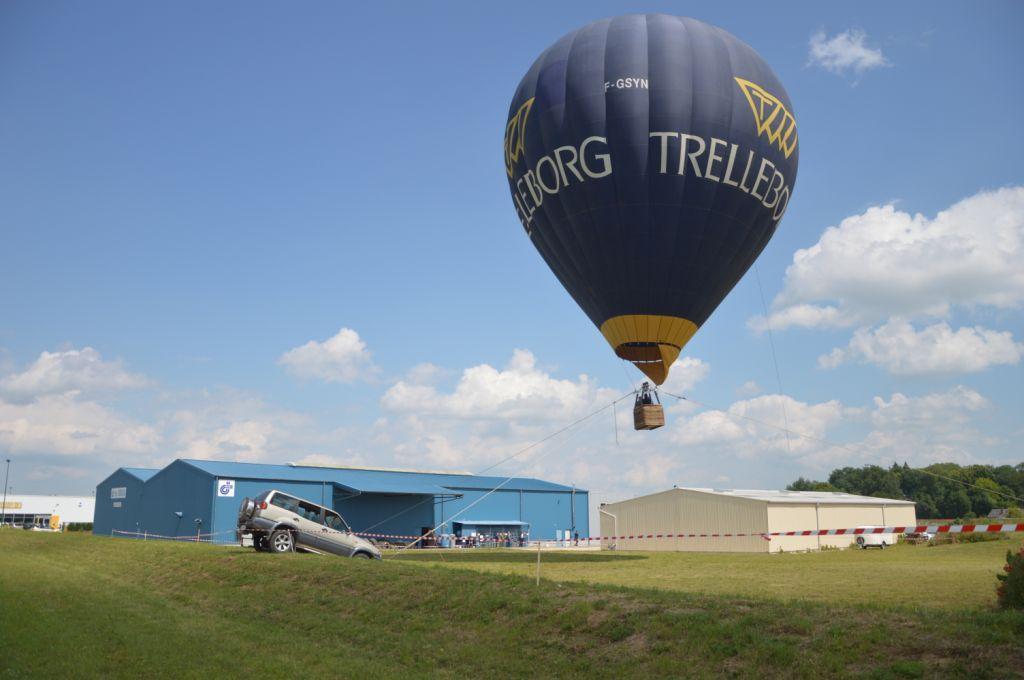 Captif pour Trelleborg, à Voves, le 27 juin 2013 - Air-Pegasus montgolfiere