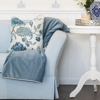 Our Indienne Sky cushion and velvet Ocean Throw are the perfect pairing 💙 . . #cushion #throw #velvet #pattern #colour #texture #soft #decorate #interiors #interiordesign #interiorstyling #design #styling #homedecor #home #furniture #hamptonsstyle #shoplocal #shoponline #shopping #online #goldcoast #sanctuarycove #hamptonsstylesanctuarycove
