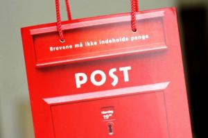 Postilaatikko -paperikassi, punainen 1,40