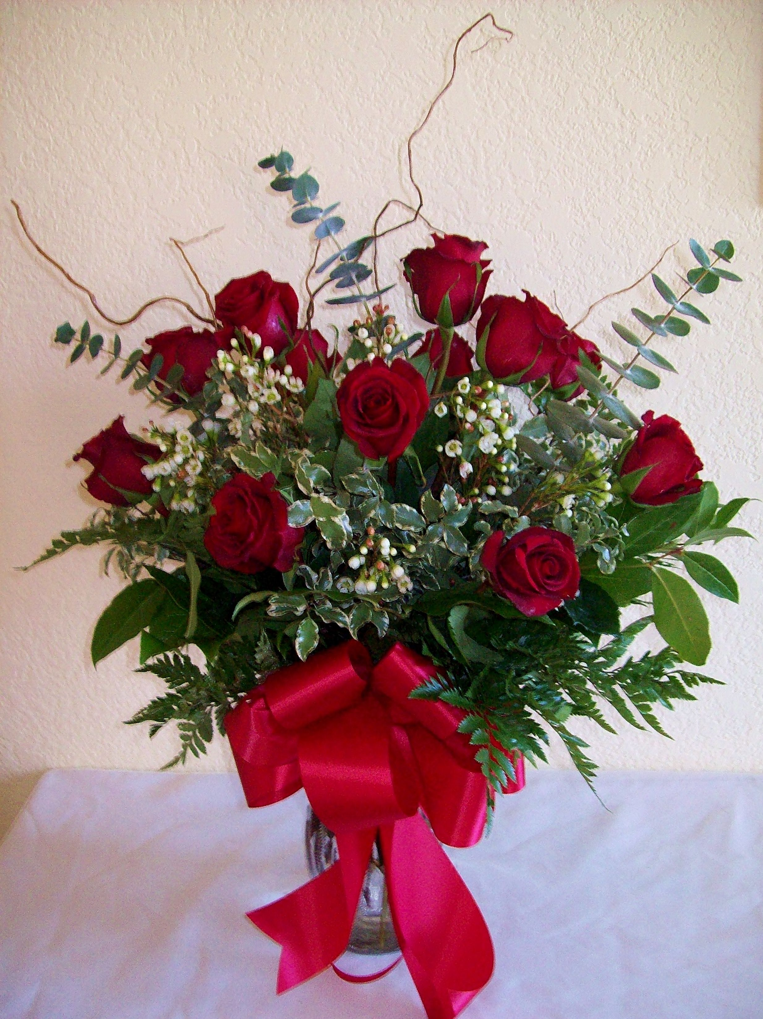 Fantasy Flowers & More Dozen long stemmed Red Roses