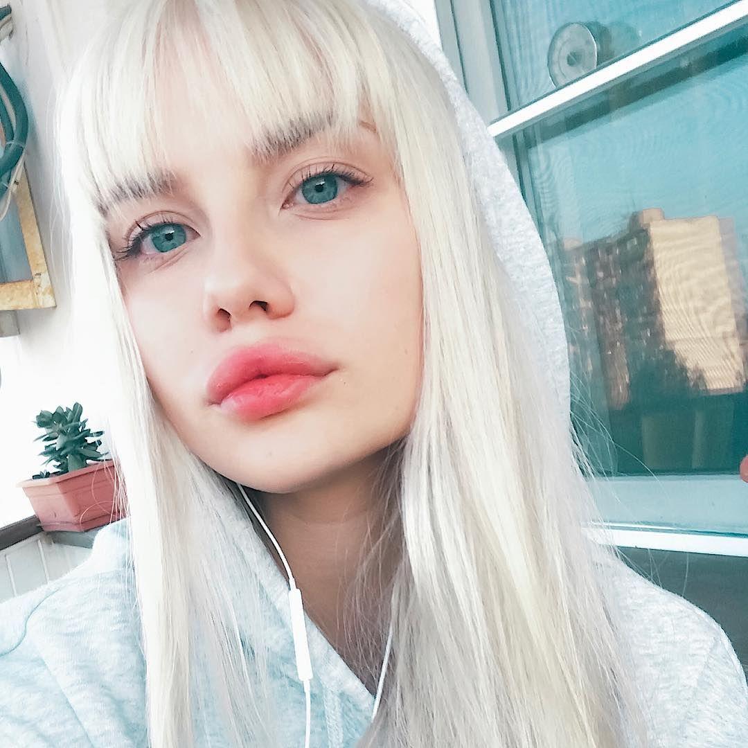 pretty girls instagram blonde