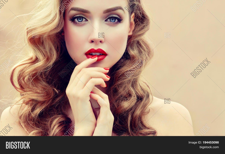 Bridal Make Up Blue Eyes Blonde Hair Google Search Long Wavy