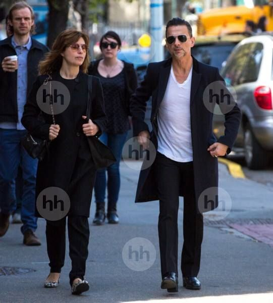 dave gahan and jennifer sklias new york 2014 depeche mode. Black Bedroom Furniture Sets. Home Design Ideas