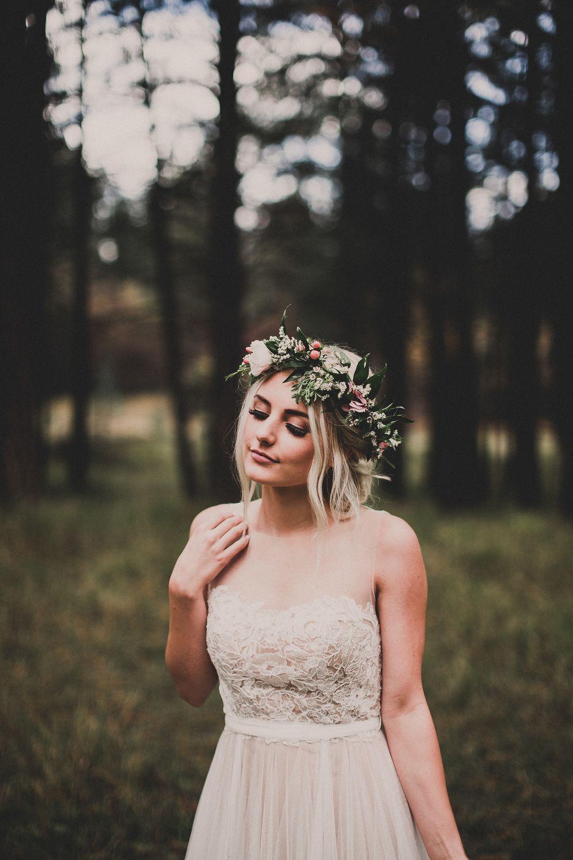 veldig fint med blomsterkrans eller hårbånd også til foreldre, gravide, konfirmanter, brud...