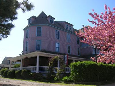 The Grenville Hotel Restaurant Plush At Bay Head New Jersey Is A Grande Dame Of Local Seaside Hotels Dating Back