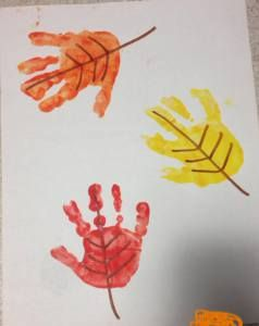 Simple Fall Handprint Crafts #fallcraftsfortoddlers