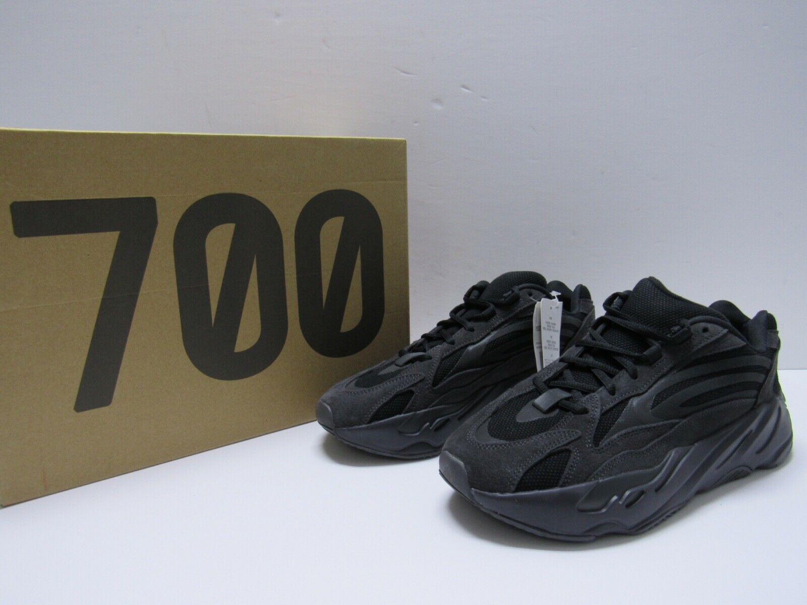 700 v2 triple black