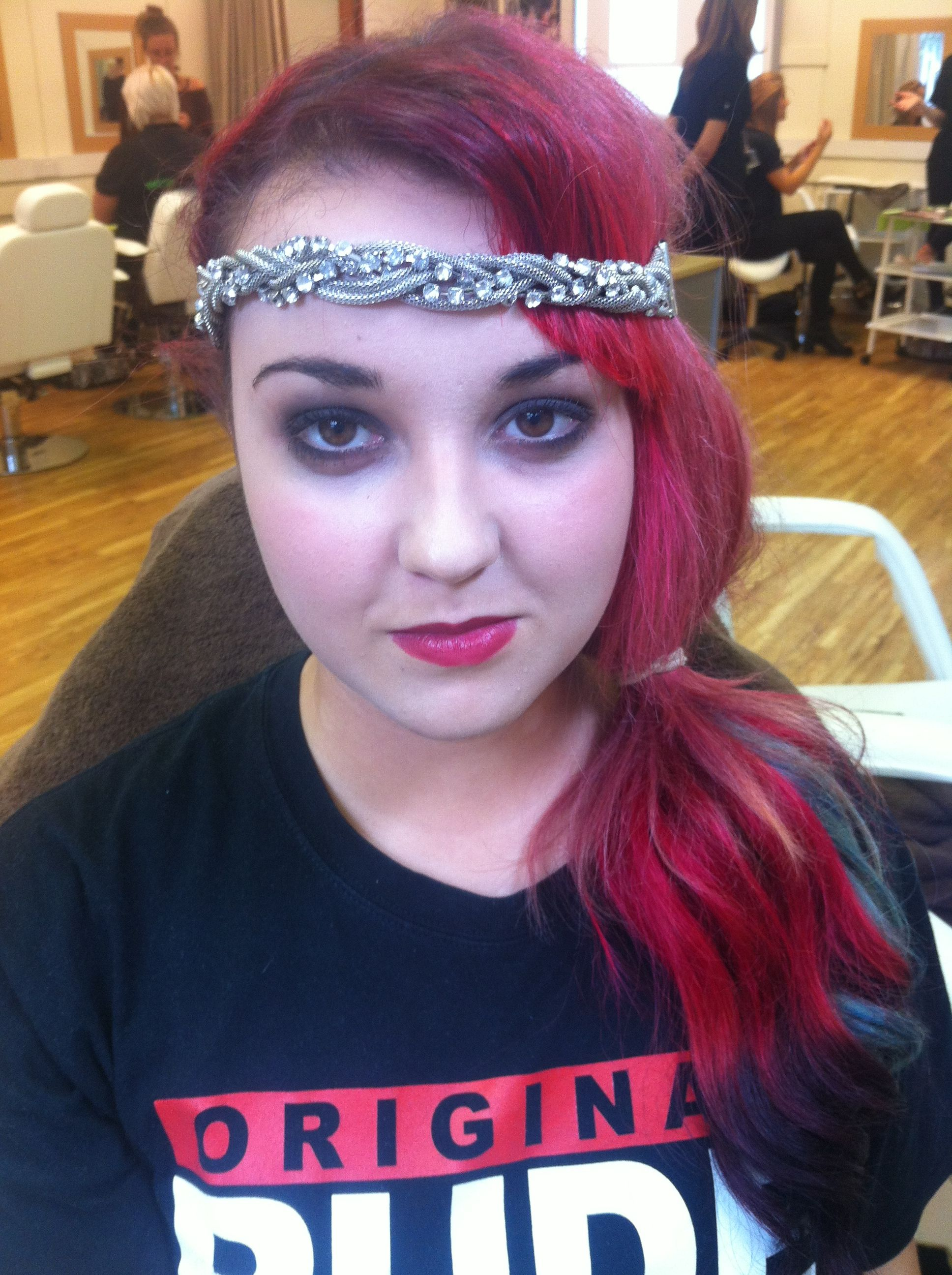 1920's Flapper Girl Inspired Look with smokey eyes and red lip