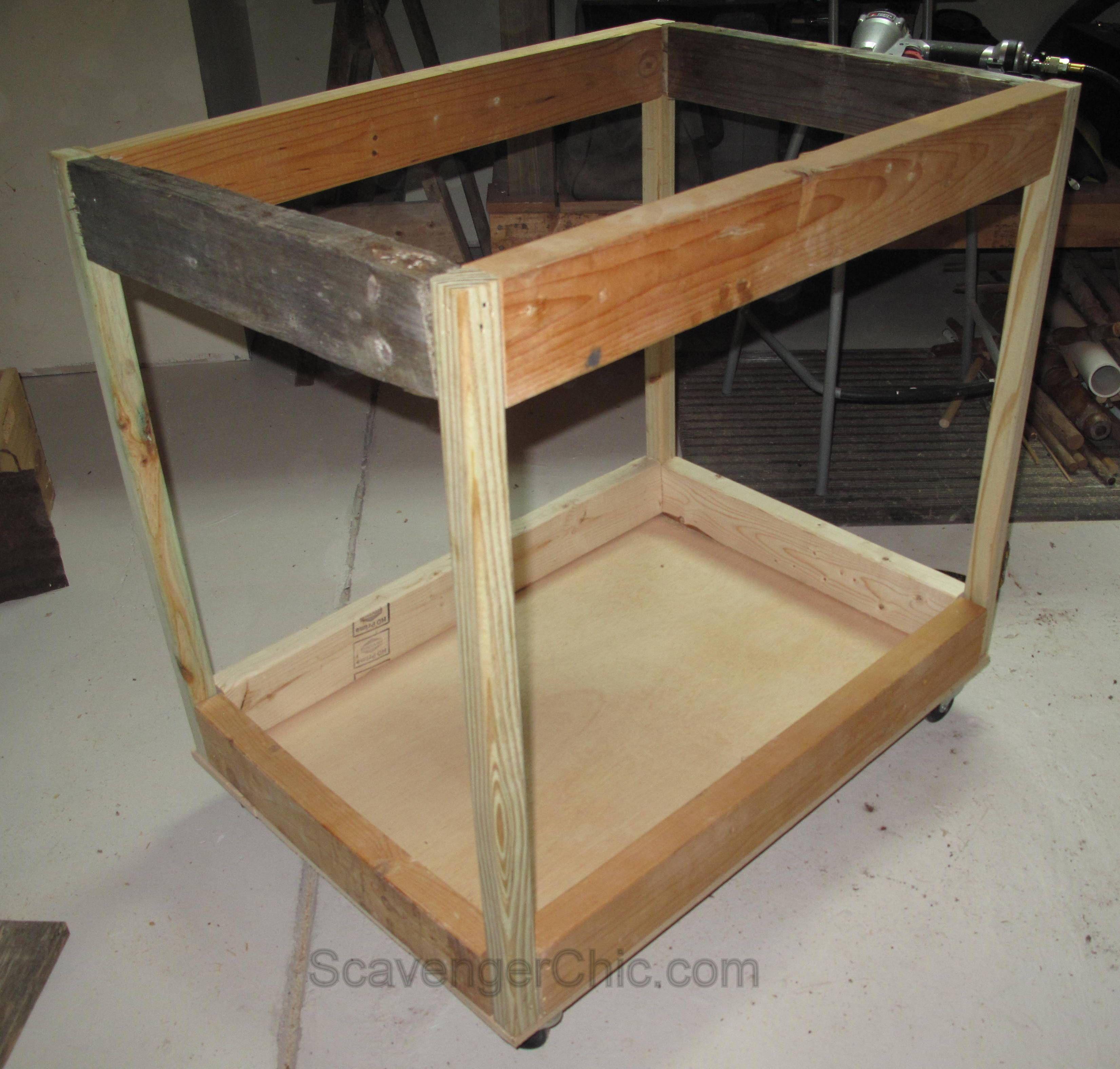 Pallet Wood Rolling Storage Cart Storage Carts Diy Rolling Storage Cart Scrap Wood Projects