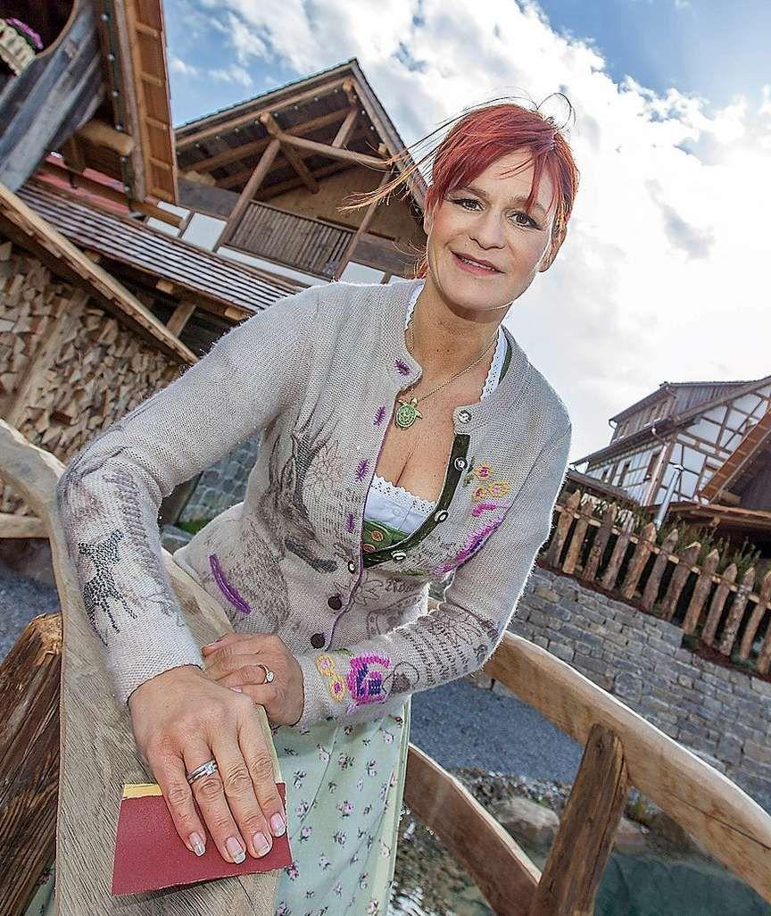 Andrea Berg Lockt Mengen An Besuchern Nach Kleinaspach Deutsche Sanger Schlager Musik Deutscher Promi